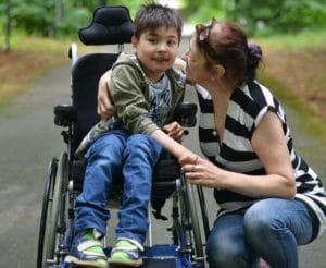 Досрочная пенсия родителям детей-инвалидов в 2019 году: правила выхода и размер выплат